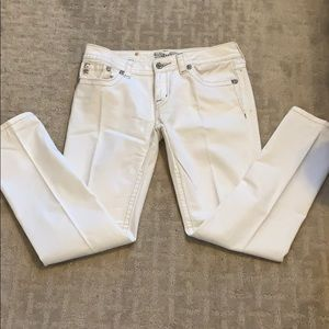 Woman's White Miss Me Jeans, Size 31